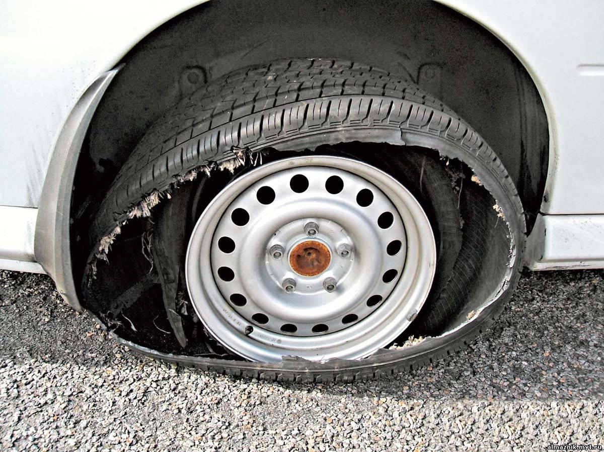 Был замученный блядями крепче всех колесных шин попали